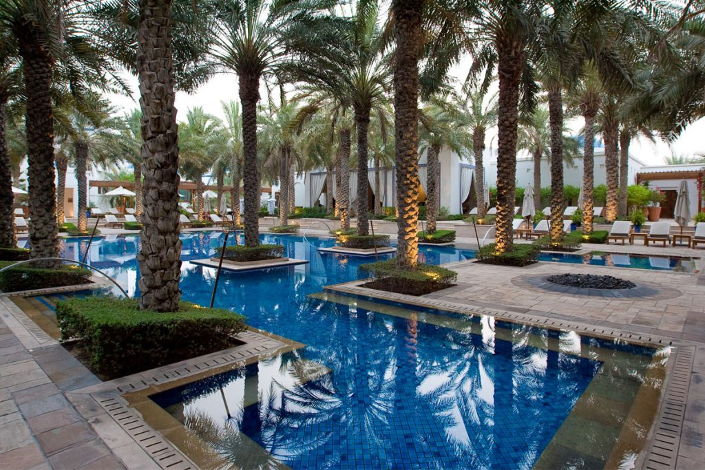 one&only-royal-mirage-swimming-pool